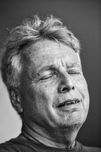 """90 politikere fotograferet med lukkede øjne: """"Man er meget nøgen"""""""