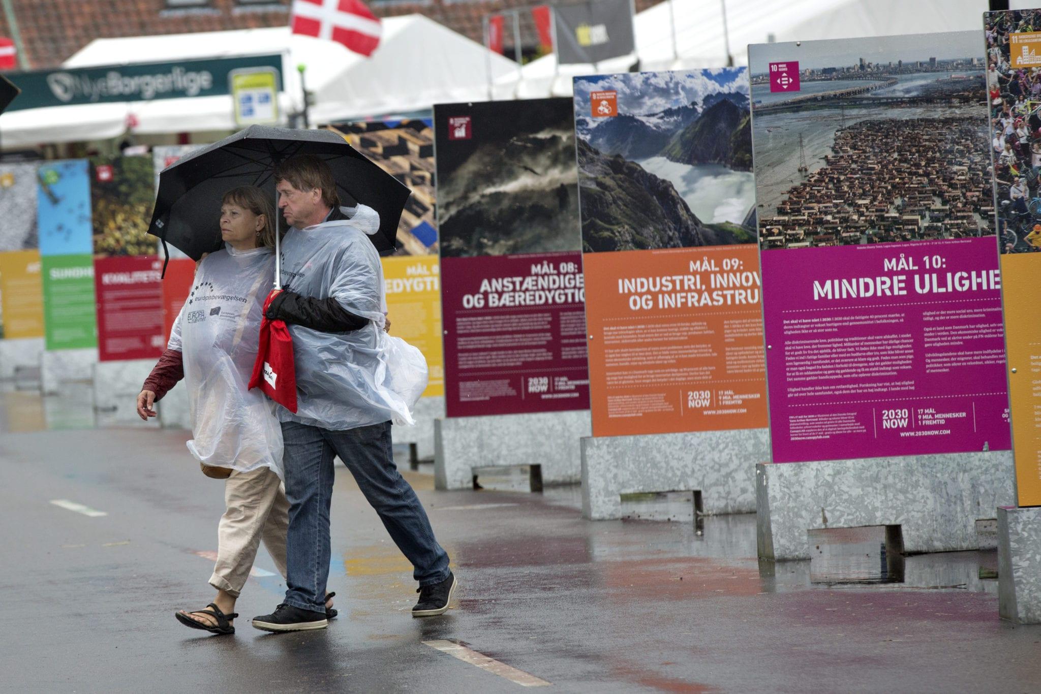 Fotoserie: Farvel til et Folkemøde, der druknede i regn 2