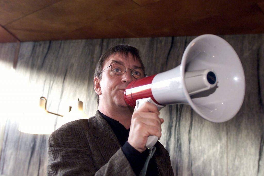 På P1 drak man på redaktionen og tog lytterne som gidsler. Nu er det en moderne radio, der gør klar til kamp